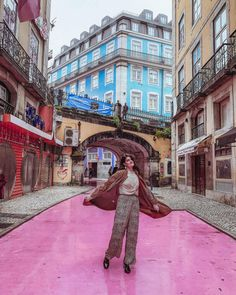 LISBON BUCKET LIST – Travel With Pau Planning to visit Lisbon? In this post you'll find an amazing list of the best things to do in Lisbon, plus where to stay and how to get around. Algarve, Portugal Vacation, Portugal Travel, Belem, Magic Places, Pink Street, Spain And Portugal, Travel List, Travel Abroad