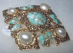 Gorgeous Large Sarah Coventry Pin and Brooch Faux Turquoise & Pearl Costume Jewelry. Beautiful!