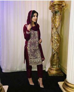 Pakistani Formal Dresses, Pakistani Wedding Outfits, Pakistani Dress Design, Indian Dresses, Indian Outfits, Ethnic Fashion, Indian Fashion, Ethnic Trends, Cheap Short Prom Dresses