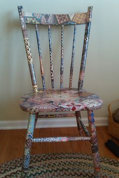 I did this on a rocking chair for my son's room with dinosaur motif. Crafts To Do, Crafts For Kids, Diy Crafts, Decoupage Chair, Funky Chairs, Diy Ideas, Craft Ideas, Sewing Studio, Holiday Activities