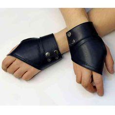 Перчатки кожаные без пальцев на кнопках