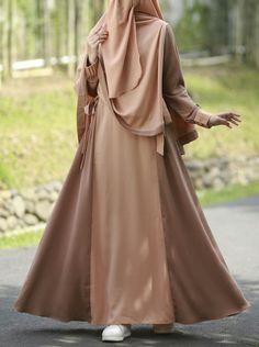 Muslim Women Fashion, Islamic Fashion, Hijabi Girl, Girl Hijab, Niqab Fashion, Fashion Dresses, Fashion Muslimah, Muslim Long Dress, Indonesia Fashion Week