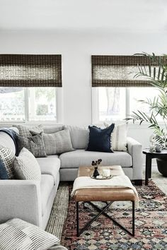 Liz Foster Interiors - California Living Room - Wohnzimmer Ideen Source by fairandfine Barn Living, My Living Room, Home And Living, Living Spaces, Gray Couch Living Room, Living Room Pottery Barn, Living Room Side Tables, Pottery Barn Couch, Living Room Blinds