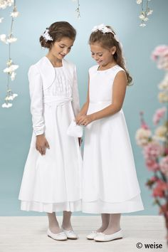 Details - Weise GmbH (DE) Tween Fashion, Fashion Outfits, First Lady Melania Trump, Communion Dresses, First Communion, Special Occasion, White Dress, Flower Girl Dresses, Wedding Dresses