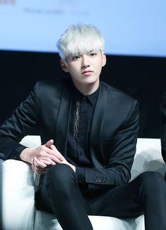 『 EXO 』   Kris, Wu, Yifan   platinum blonde