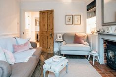 Cosy Modern Country Living Room | Elle Feathering The Empty Nest | Modern Country Sitting Room | Interiors