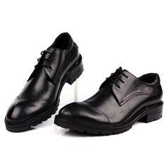 617655d6f9 MYCOLEN Sapatos Masculinos Clássicos de Negócios Couro Genuíno Grosso Sole  Antislip Homens Italianos Vestem Sapatos Para