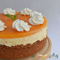 Summer cravings - I am happy to introduce You this incredibile, beautiful, creamy, yummy, flavored Apricot & White Chocolate Cheesecake. It's all my creation and it's Simply divine. Key Lime Cheesecake, White Chocolate Cheesecake, Delicious Deserts, Chocolate Lovers, Dessert Bars, Vanilla Cake, Creme, Cravings, Food Porn