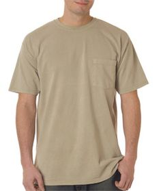A cotton tee in basic classic style is always popular among people in all ages when summer comes. Chouinard 6030 - Adult Heavyweight Short-Sleeve Garment-Dyed Pocket Tee is just the best style for you if you are wandering in tons of cotton tees hesitating which one to select. This tee is made of preshrunk 100% combed ring-spun garment-dyed cotton, which has wonderful performance in durability, breathability and sweat absorbency.