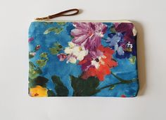 Clutch small purse bag Floral Clutch Bags, Floral Clutches, Silk Fabric, Small Bags, Bag Making, Antique Brass, Muse, Hand Weaving, Coin Purse