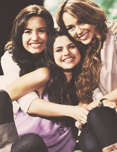 demi lovato, selena gomez & miley cyrus. MY FEELS. RIGHT IN THE CHILDHOOD.