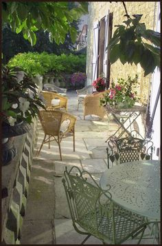 terrace-french-chateau