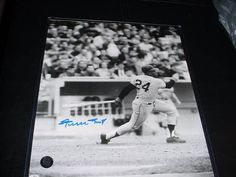 WILLIE MAYS signed auto 8X10 PHOTO (SAY HEY HOLO) psa/dna & jsa guarentee AT BAT