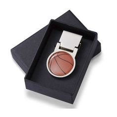 Find Basketball Design Money Clip at Wholesale Favors, along with other wedding favors and personalized gifts. Engraved Promise Rings, Personalized Basketball, Personalised Gifts For Him, Basketball Design, Black Gift Boxes, Sports Gifts, Wedding Favors, Gift Wedding, Groomsman Gifts