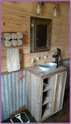 bathroom design ideas rustic house 50 Decorative Rustic Storage Projects For a Beautifully Organized Home Rustic House, Bathroom Decor, House Bathroom, Rustic Bathroom Designs, Diy Bathroom Design, Rustic Interiors, Barn Bathroom, Rustic Storage, Bathroom Design
