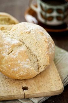 Homemade bread (by photo-copy) Pain Thermomix, Thermomix Bread, Yeastless Bread Recipe, Rustic Bread, Cooking Bread, Brunch, Dutch Recipes, Bread Cake, Bread And Pastries