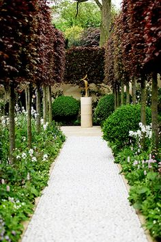 The Laurent Perrier garden, designed by Arne Maynard, also won a gold medal at Chelsea Flower Show 2012.
