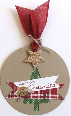 Meilleurs Voeux - Papier, ciseaux etc. Christmas Gift Tags, Diy Christmas Ornaments, Christmas Bulbs, Christmas Decorations, Xmas, Cd Crafts, Paper Crafts, Holiday Punch, Card Tags