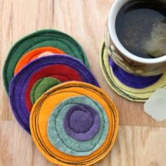 Sew up some fun colorful felt coasters, inspired by  free motion sewing!  Full tutorial.