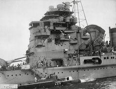 Closeup of IJN heavy cruiser Takao's bridge while under construction, Model Warships, Heavy Cruiser, Imperial Japanese Navy, Naval, United States Navy, New Orleans, War Machine, Battleship, World War Two