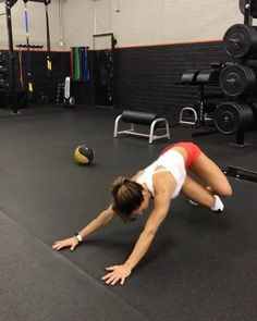 """14.8k Likes, 115 Comments - Alexia Clark (@alexia_clark) on Instagram: """"Full Body Circuit 40seconds on 20seconds rest 3-5 rounds #alexiaclark #queenofworkouts…"""""""