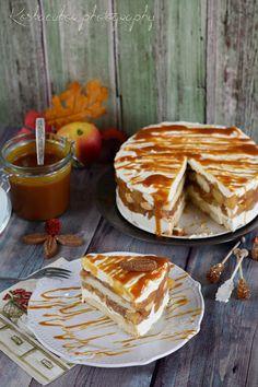 Ismét almás finomság, most joghurttal és karamellel, villám gyorsan összerakható. Csupán egy éjszakát kell rá várni és már ehetjük is ezt a ...