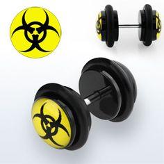 Biohazard fake plug. Piercing falso Biohazard.