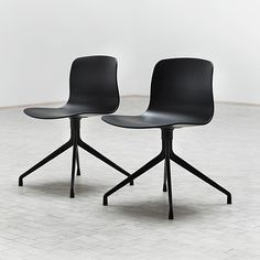 ABOUT A CHAIR - REF. AAC14 AND AAC14 DUO - POLYPROPYLENE SHELL, ALUMINIUM LEGS, WITH WHEELS - HEE WELLING, HAY