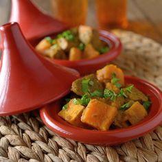 Chicken and Sweet Potato Braise… Healthy Slow Cooker, Slow Cooker Recipes, Cooking Recipes, Healthy Recipes, Slow Cooking, Tagine Recipes, Oriental Food, Think Food, Seasonal Food