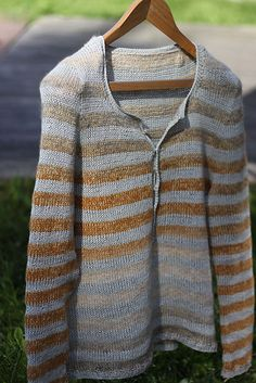 "Ravelry: Vaida's Driftwood/love the subtle stripes versus ""heavy"" ones that one could also do"