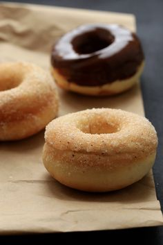 donuts au four , baked doughnuts