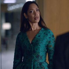 Jessica Pearson 's Jackets featured in Suits Season 4 Episode 9 Gone