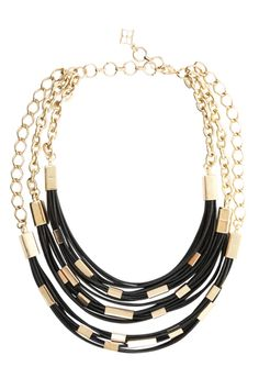 cool necklace-- perhaps i can make something like this?