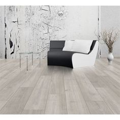 Find Laminae Stowe Oak Laminate Flooring at Homebase. Visit your local store for the widest range of paint & decorating products.
