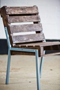 Pallet Chair - Steel Legs _ im digging those blue metal frame legs