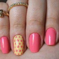 Confira o passo-a-passo da decoração das unhas com estampa de poás com as candy colors - tendência de cores de esmaltes para o verão 2013.