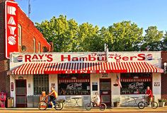 The Infamous 'Ray's Hamburgers' joint.great place for a summer burger! Summer Burgers, Excelsior Springs, Small Town America, Soda Fountain, In Loving Memory, Model Trains, Family History, Great Places, Kansas City