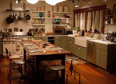 "the fosters kitchen | Dreamy kitchen from ""The Fosters"" 