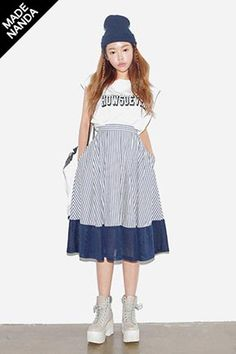 Today's Hot Pick :メッシュ切替ストライプ柄ミディフレアスカート http://fashionstylep.com/SFSELFAA0024862/stylenandajp/out