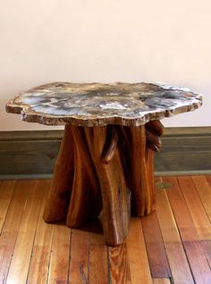 log-cabins: Rustic table with a petrified wood top