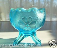 *DUGAN NORTHWOOD GLASS ~ Blue Opalescent, Daisy pattern, Plume footed rpse Bowl Vase