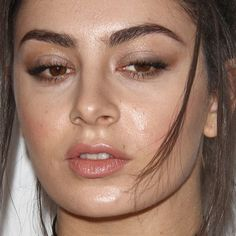 Charli XCX's Makeup Photos & Products | Steal Her Style
