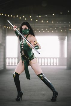 Jade from Mortal Kombat Cosplay http://geekxgirls.com/article.php?ID=8327