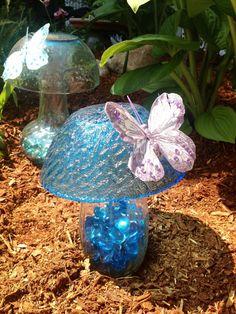 glass Garden Mushroom by Beyondthegardenwall on Etsy Glass Garden Flowers, Glass Plate Flowers, Glass Garden Art, Flower Plates, Glass Art, Garden Mushrooms, Glass Mushrooms, Garden Whimsy, Garden Deco