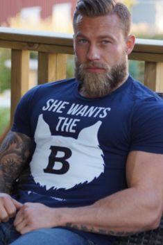Viking Beard Tips and Styles (Part 2 of Like the hairstyle, the Viking beard styles have become a great distinction of the Vikings. In the last writing (Viking Beard Tips and Styles Part BaviPo Beard Styles For Men, Hair And Beard Styles, Viking Beard Styles, Hipster Noir, Beard Model, Hommes Sexy, Beard Tattoo, Muscular Men, Beard Care