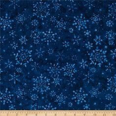Timeless Treasures Tonga Batiks Snowflakes Cadet from @fabricdotcom  Designed for Timeless Treasures, this cotton print includes shades of blue. Use for quilting, apparel and home decor accents.