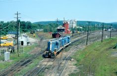 Discover the world through photos. Railroad Photography, Old Trains, Train Engines, Steam Locomotive, Ho Scale, Maine, Boston, American, Pictures