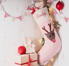 Jeder braucht ein Weihnachtsstrumpf und diese von Elmtreetextiles, £40.00
