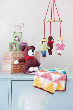 91168 Babyfilt pattern by Erica Laurell Crochet Mobile, Baby Blanket Crochet, Crochet Blankets, Free Pattern, Crochet Patterns, Kids Rugs, Knitting, Sewing, Toys