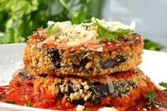 Enjoy this completely vegan version of Baked Eggplant Parmesan by The Veg Life! Vegan Eggplant Recipes, Vegan Eggplant Parmesan, Baked Eggplant, Vegan Dinner Recipes, Vegan Dinners, Vegan Recipes Videos, Vegan Recipes Easy, Fast Recipes, Delicious Recipes